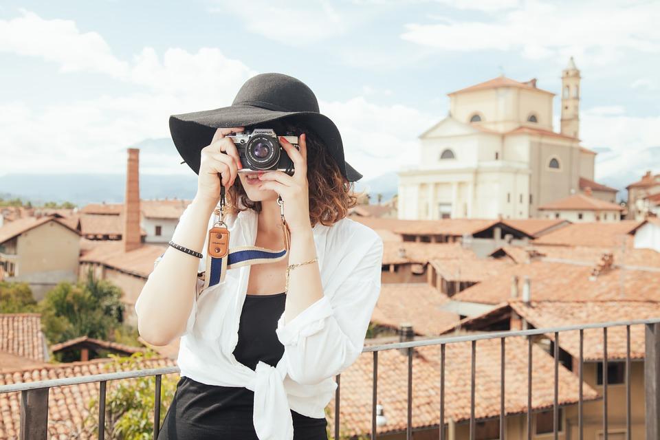 care organizeaza un workshop intensiv de fotografie